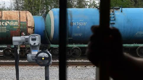 Бензин растет и не краснеет  / Биржевая стоимость топлива поднялась к историческим максимумам