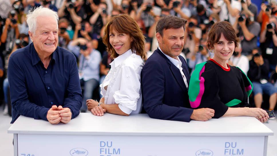 Режиссер Франсуа Озон (в центре)
