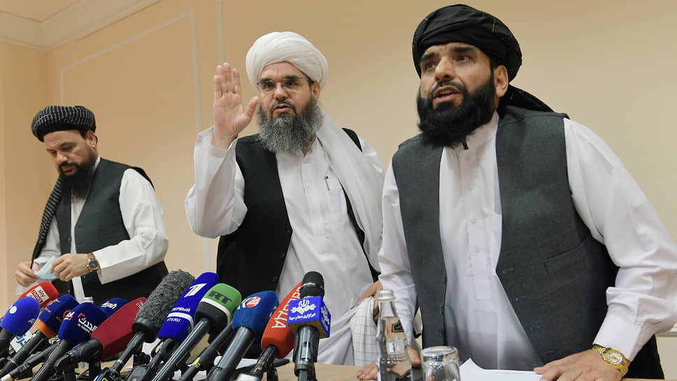 Представители делегации политического офиса движения «Талибан» (террористическая организация, запрещена в России) слева направо: Абдул Латиф Мансур, Шахабуддин Делавар и Мохаммад Сохайл Шахин