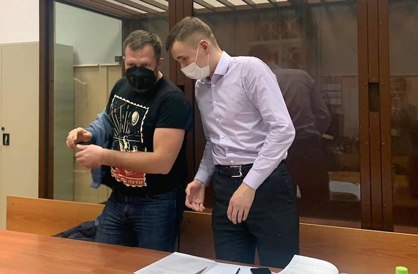 Эксперт Фонда борьбы с коррупцией Николай Ляскин (слева)