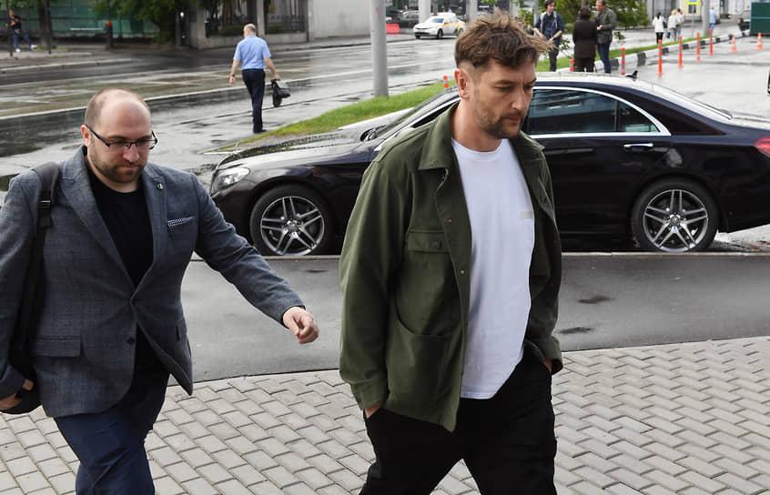 Брат Алексея Навального Олег (справа)