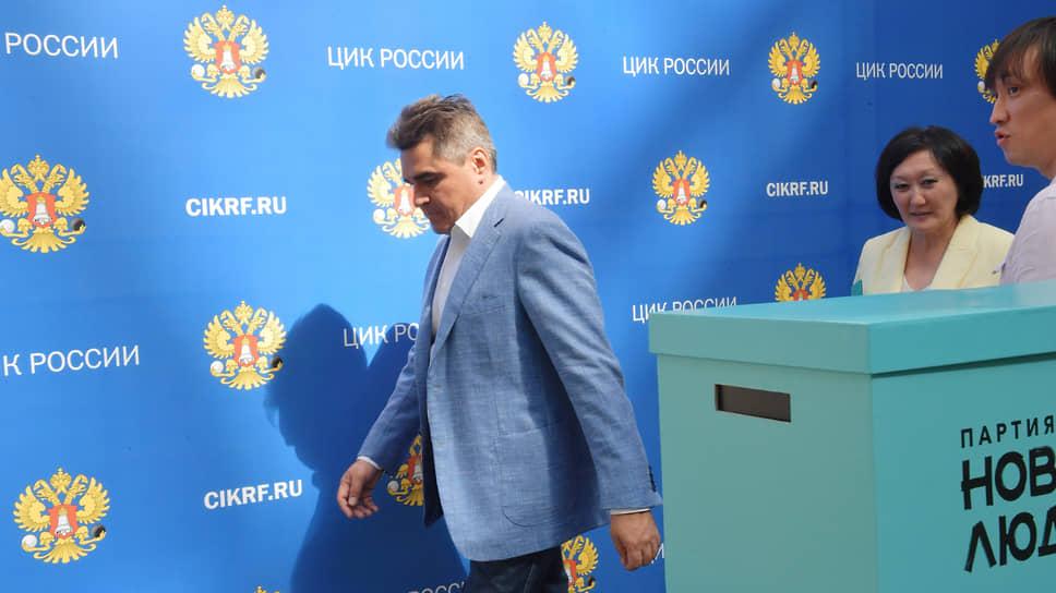 Основатель партии «Новые люди» Алексей Нечаев и бывший мэр Якутска Сардана Авксентьева