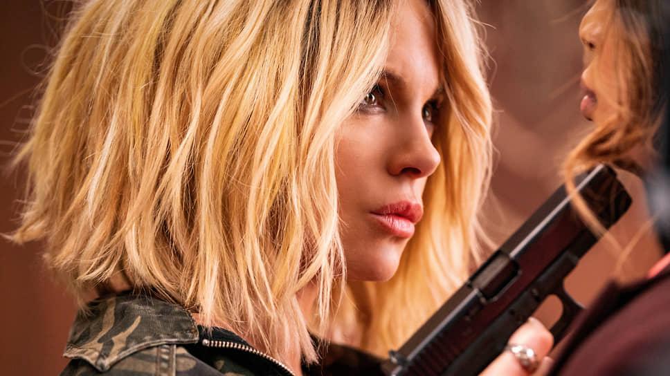 Хрупкая героиня Кейт Бекинсейл воспроизводит нестареющий типаж блондинки-мстительницы
