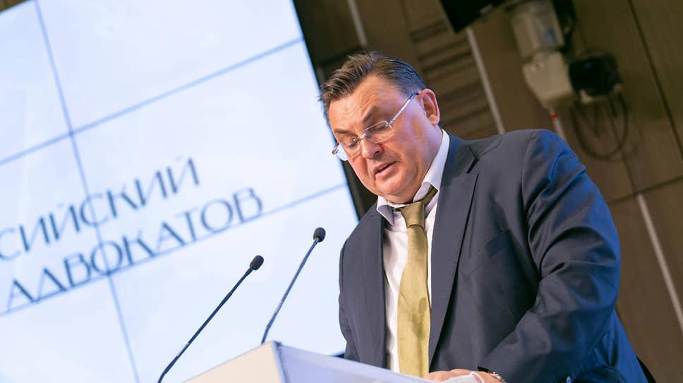 Возглавляемый Константином Чуйченко Минюст готов оставить бумажные исполнительные документы в прошлом