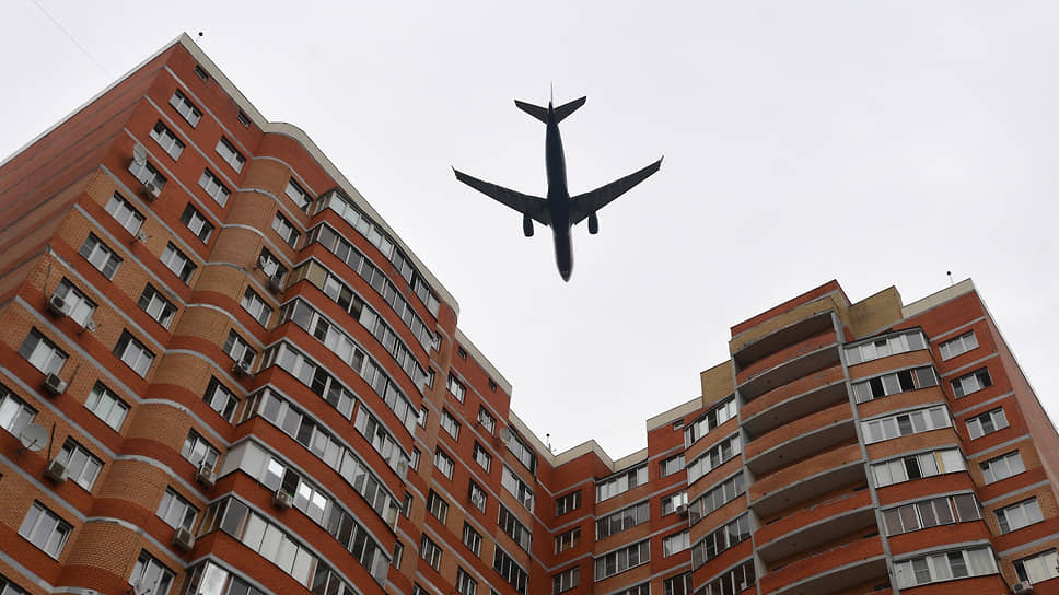 Самолеты в подмосковном небе стали еще ближе жителям