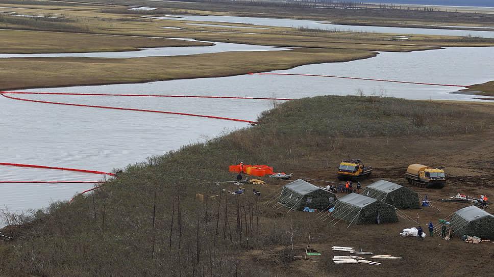 Ликвидация последствий разлива дизтоплива на ТЭЦ-3 в Норильске