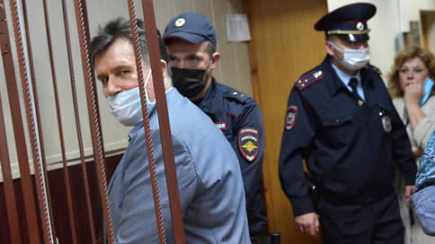 Тольяттинских банкиров вернули домой // Московский суд не стал рассматривать дело о хищении более 1 млрд рублей