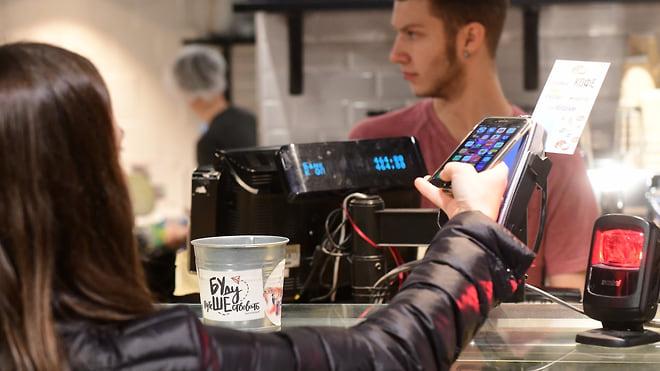 С квартирами не в контакте  / Все больше крупных покупок совершается с помощью Apple Pay и Google Pay