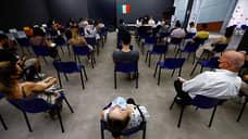 Жизнь в Италии входит в прививочную колею