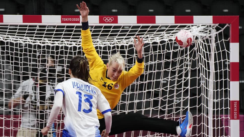 Самым результативным игроком в составе сборной России стала Анна Вяхирева, забросившая в ворота норвежской команды девять мячей