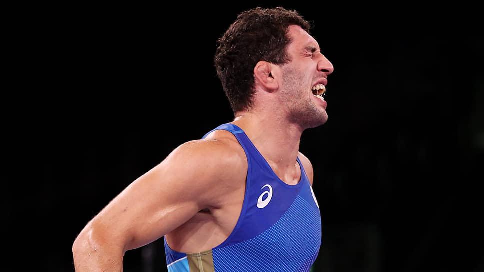 Заур Сидаков после победы на Олимпиаде не сумел сдержать слез