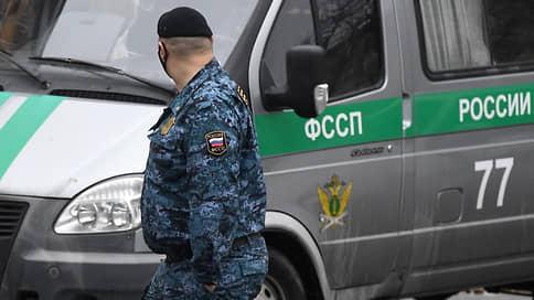 Суду помахали Вымпелом // Бывшего командира центра спецназа ФСБ генерал-майора Подольского объявили в розыск