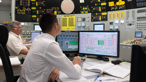 Правительство ускоряет малый атом // Росатом получит из ФНБ и бюджета 80 млрд руб. на развитие малых АЭС