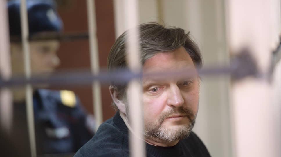 Защита Никиты Белых считает, что следствие по его делу ведется неэффективно и нарушает права обвиняемого