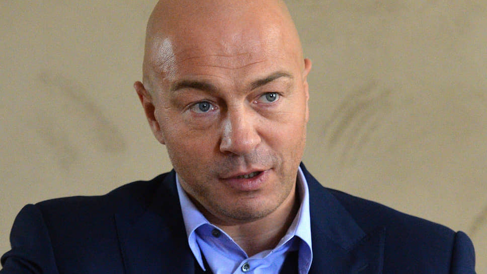 Президент «Эксмо-АСТ» Олег Новиков о том, как дефицит полиграфических мощностей отразился на издателях