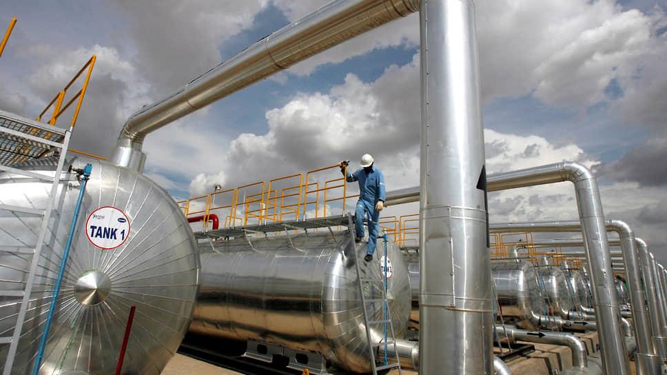 Переизбыток нефти откладывается