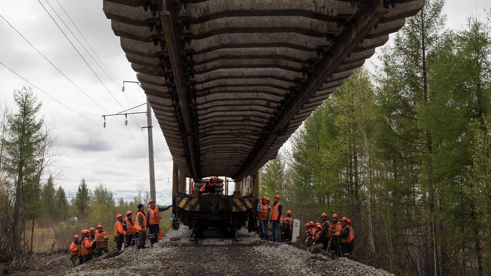 Правительство склоняется к тому, чтобы отказаться от строительства отдельной железной дороги для вывоза угля Эльгинского месторождения на рынки Азии