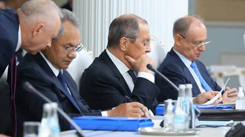 Не бывать ноге капитулянта на земле ОДКБ // Страны блока поддержали позицию России о неприемлемости размещения у себя военных баз США