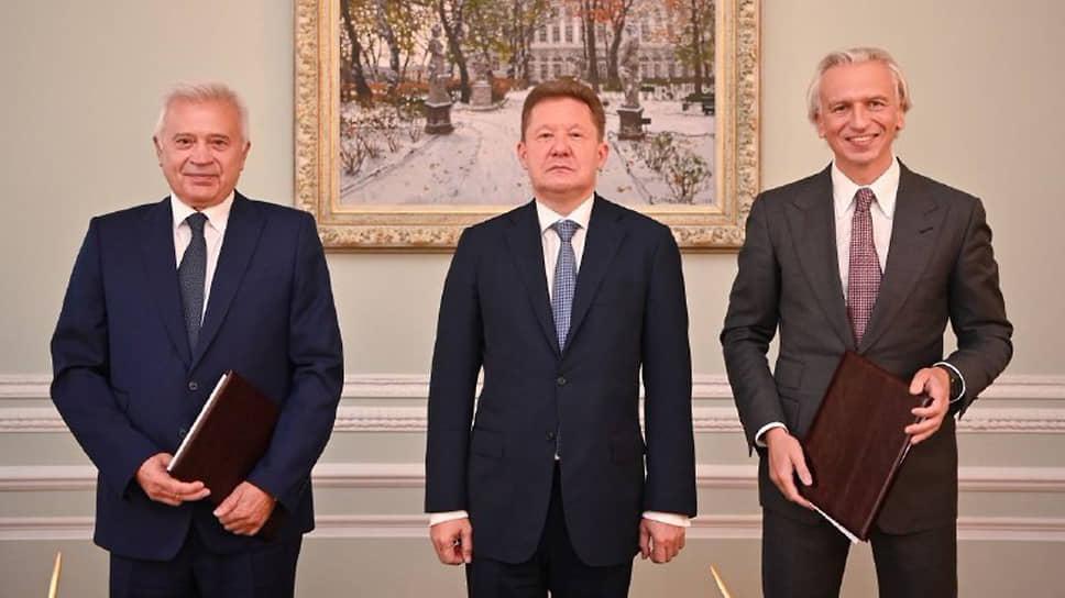 Справа налево: президент «ЛУКОЙЛ» Вагит Алекперов, председатель правления «Газпрома» Алексей Миллер, председатель правления «Газпром нефти» Александр Дюков