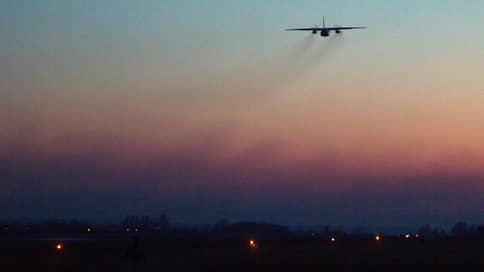 То взлет, то запреты // Росавиация может остановить ночные посадки без приборов