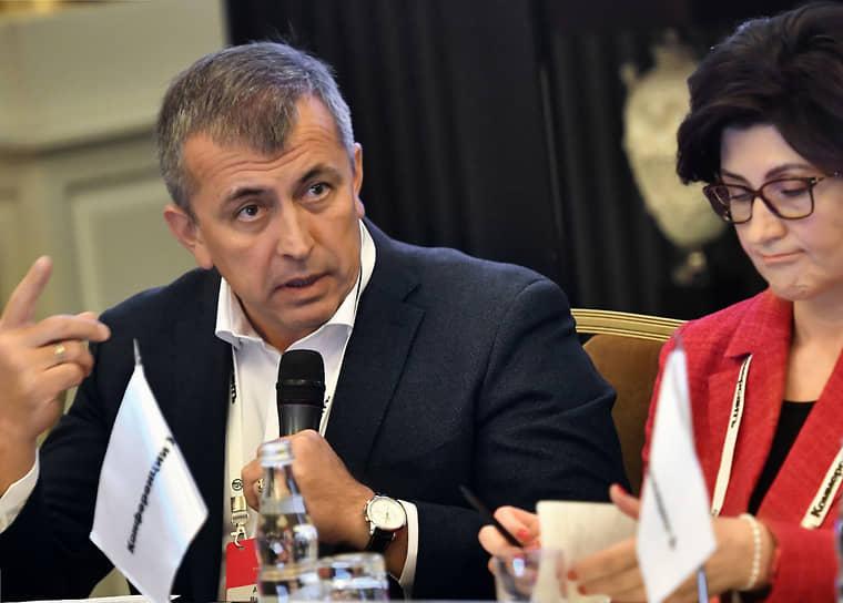 Гендиректор Sun Pharma Россия Артур Валиев и гендиректор компании «НоваМедика» Елена Литвинова