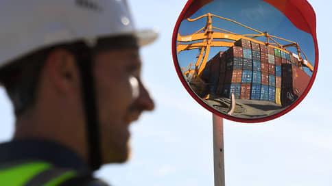 Дальний Восток заполонили контейнеры  / Привлекательные цены привели к переполнению терминалов