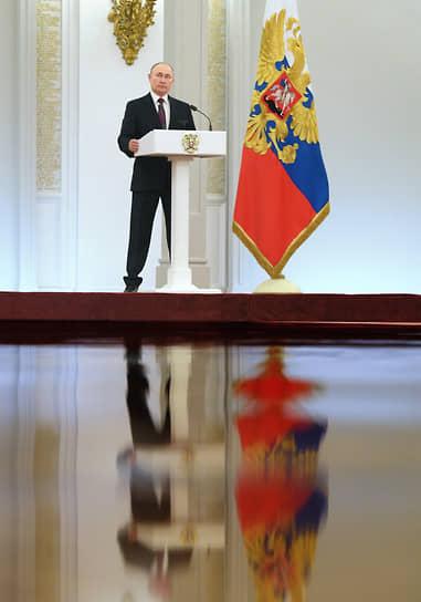Владимир Путин дистанцировался от депутатов