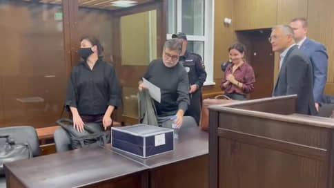 Суд вернул ректора Шанинки домой // Следствию отказано в аресте подозреваемого Сергея Зуева