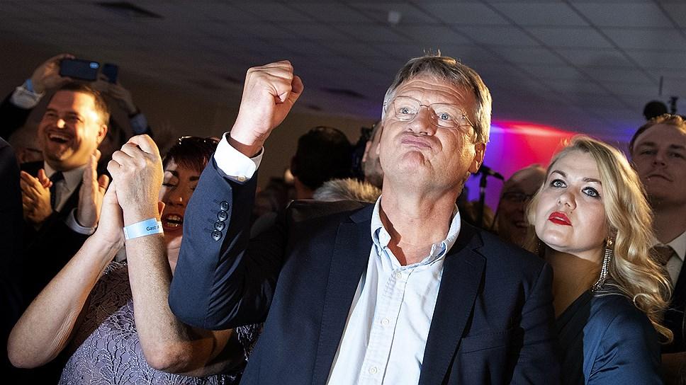 Лидер «Альтернативы для Германии» Йорг Мойтен доволен результатами своей партии на выборах в Европарламент