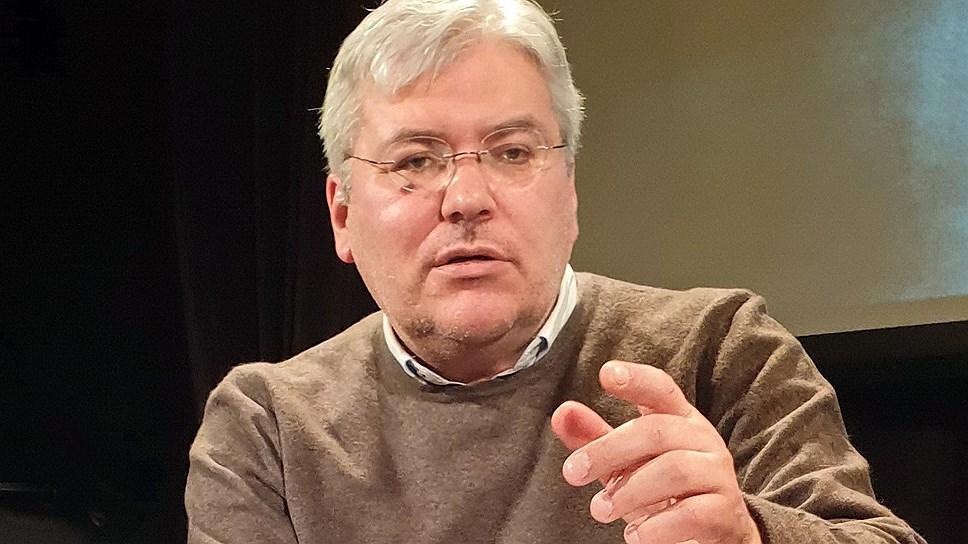 Писатель Евгений Водолазкин во время выступления