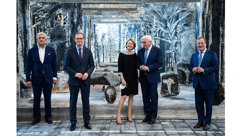 Европа во всем многообразии  / В Берлине открылась выставка современного европейского искусства