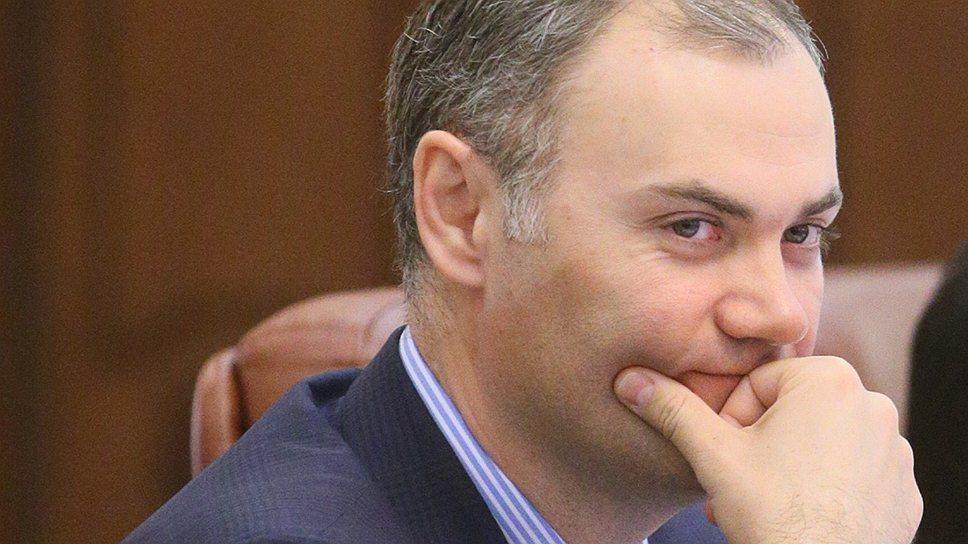 Министерство финансов (на фото его глава Юрий Колобов) думает переложить проблемы местных бюджетов на плечи аграриев