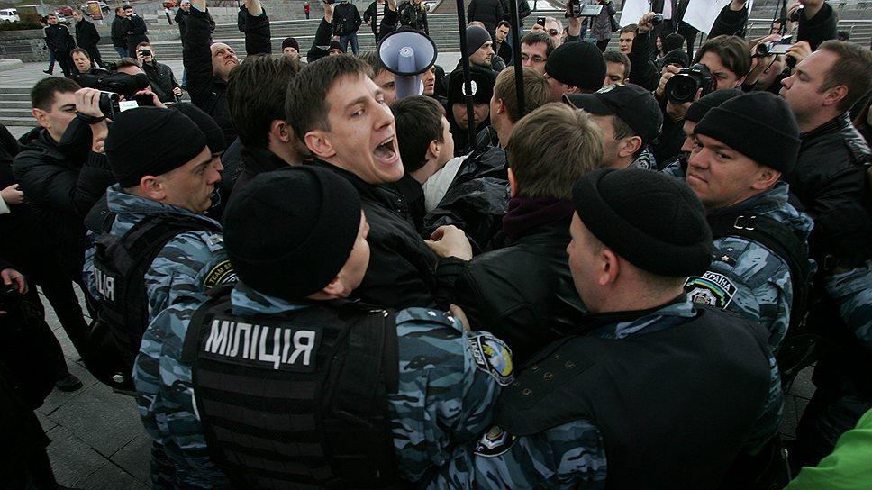ЕСПЧ разъяснил, что отсутствие разрешения на проведение митинга не является основанием для его разгона