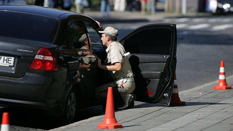 В ГАИ вплотную подошли к тому, чтобы украинские автолюбители поменяли свои права на новые