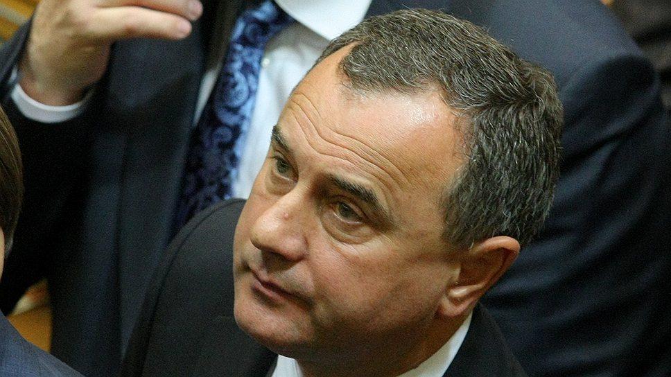 Надежды Александра Домбровского на то, что руководство Рады сможет защитить его в суде, не оправдались