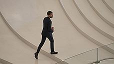 Актер Джейми Дорнан посетил Баку