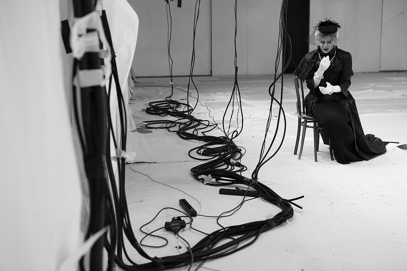 Спектакль «Тарарабумбия» на сцене театра «Школа драматического искусства». Постановка Д. Крымова