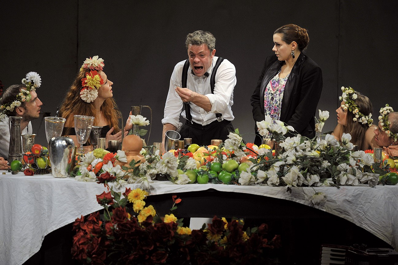 Спектакль «Чайка» на сцене театра «Сатирикон». Постановка Ю. Бутусова