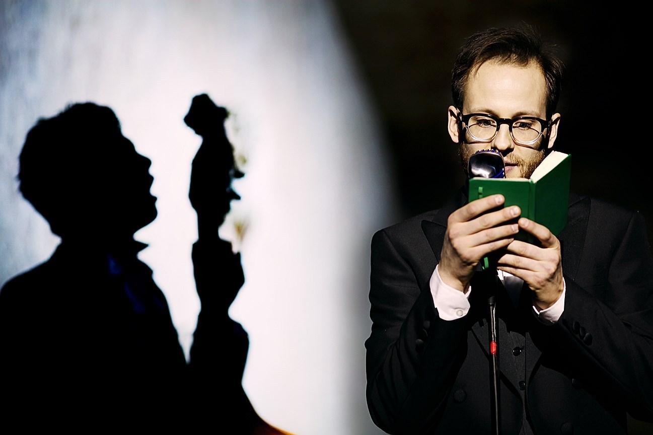 Спектакль «Мертвые души» на сцене «Гоголь-центра». Постановка К. Серебренникова