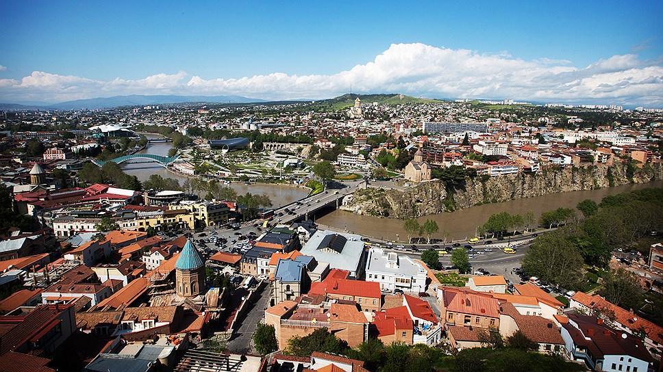 Вид на Старый город с крепости Нарикала