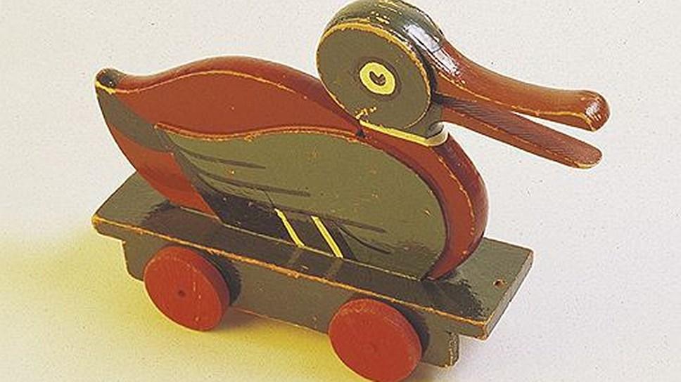 Деревянная уточка, созданная в 1932 году, одна из самых знаменитых деревянных игрушек компании LEGO
