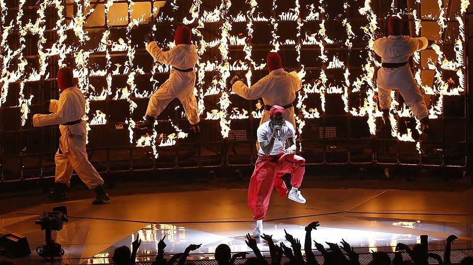 Выступление Ламара на премии  MTV Video Music Awards 2017