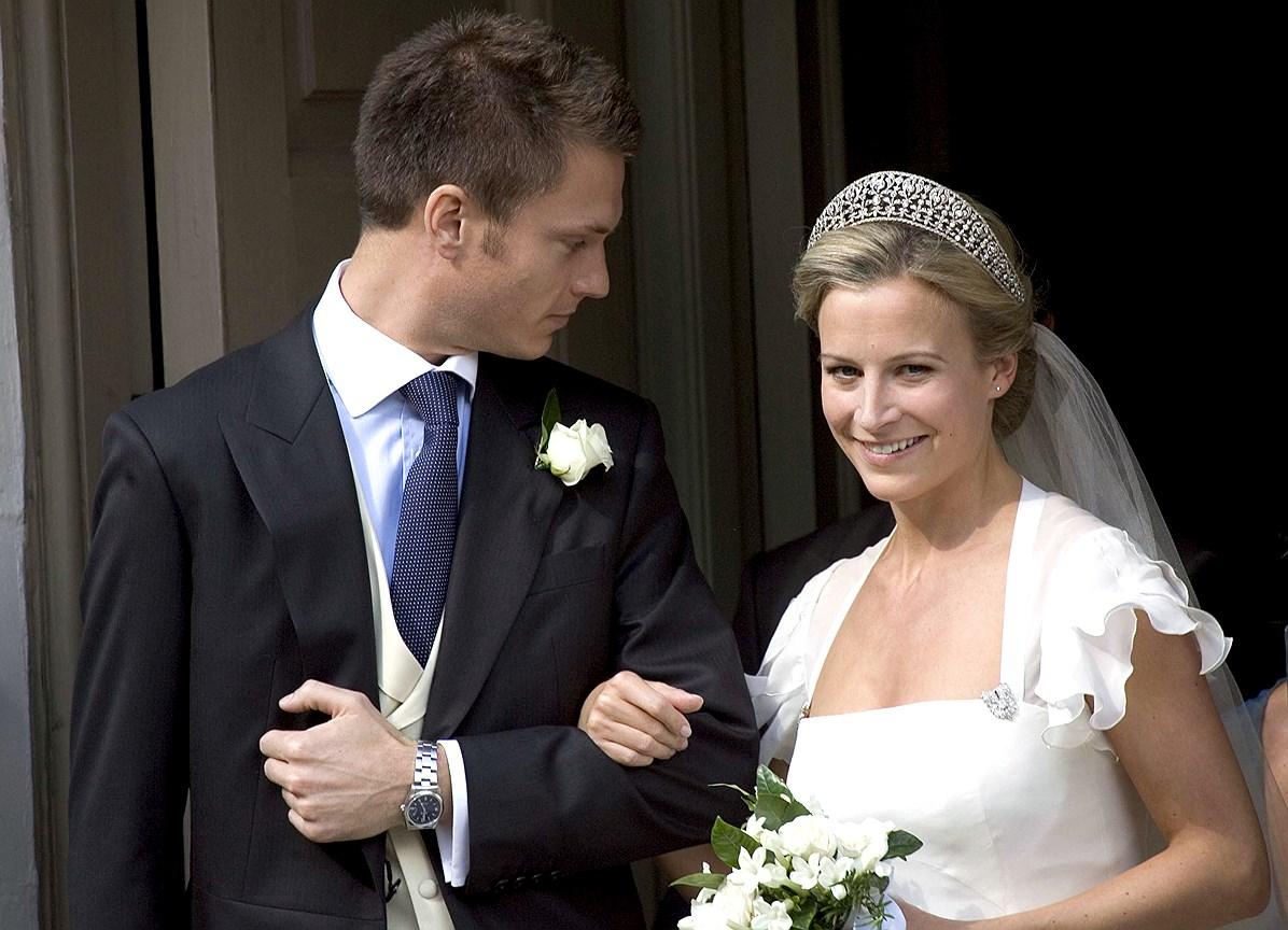 Леди Роуз Гилман, младшая дочь герцога и герцогини Глостерских. Муж: банкир Джордж Гилман. Свадьба: 19 июля 2008 года. Тиара: Iveagh, преподнесенная королеве Мэри в качестве свадебного подарка лордом и леди Айви  и переданная матери леди Роуз, герцогине Глостерской.