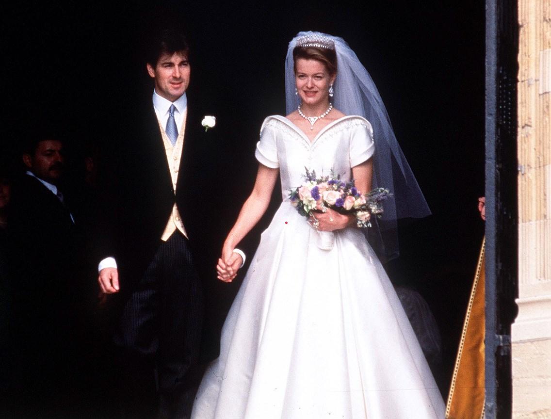 Леди Хелен Тэйлор, дочь герцога и герцогини Кентских. Муж: арт-дилер Тимоти Вернер Тэйлор. Свадьба: 18 июля, 1992 года. Тиара: Kent Diamond and Pearl Fringe, в которой выходила замуж ее мать.