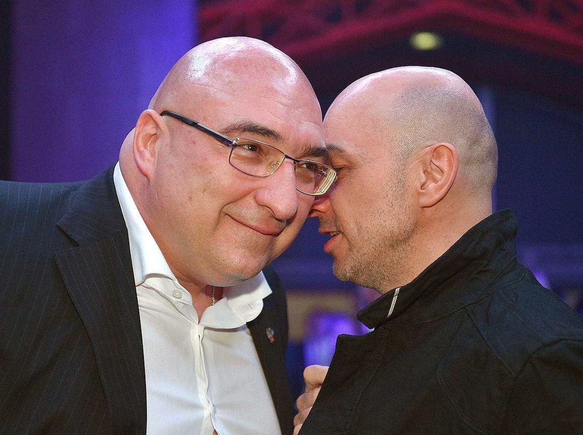 Генеральный директор ООО УК «Металлоинвест» Андрей Варичев  (слева)