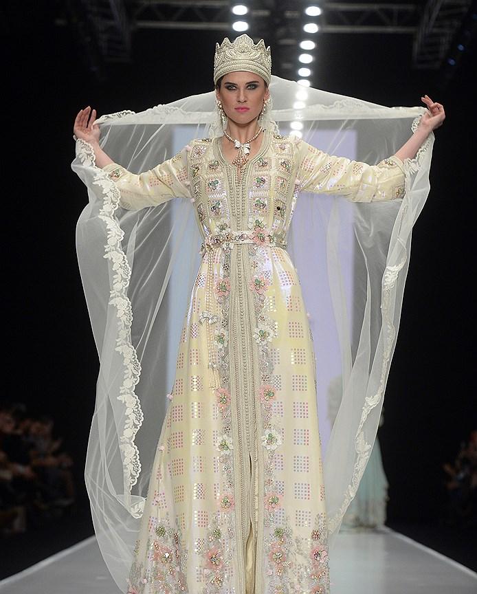 Восточный модный показ: коллекция Hany Elbehairy, выход невесты