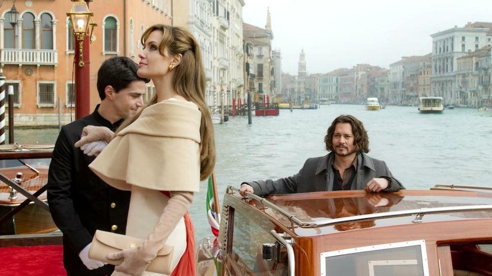 Анджелина Джоли и Джонни Депп в фильме «Турист», 2010