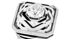 Boucheron, кольцо 26V, белое золото, горный хрусталь, оникс, кахолонг, бриллианты