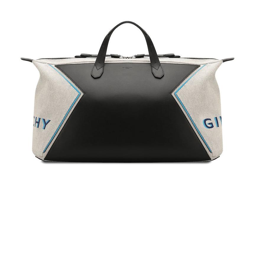 Givenchy, дорожная сумка, 174 500 руб., tsum.ru