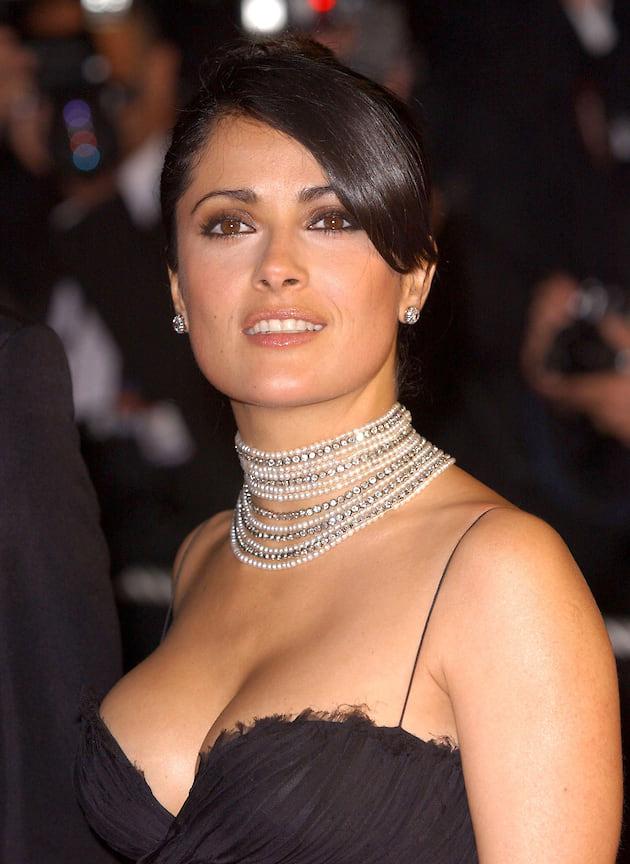 Сальма Хайек в серьгах и чокере с бриллиантами и жемчугом, 2005 год